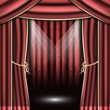Czerwona teatr zasłona z światłami reflektorów Zdjęcia Royalty Free