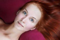 Czerwona włosiana kobieta. Fotografia Stock