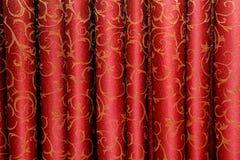 Czerwona zasłona z kwiecistym ornamentem Zdjęcie Royalty Free