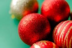 Czerwone nowy rok dekoracj bożych narodzeń piłki obrazy stock