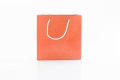 Czerwone prezent torby odizolowywać na białym tle obraz royalty free