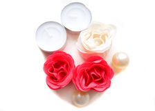 czerwone róże mydlą biel Zdjęcie Royalty Free