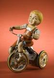 czerwone tło chłopca zabawkę ii obrazy royalty free