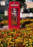 Czerwone telefonicznego pudełka foremki angielszczyzny obrazy royalty free