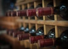 Czerwone wino butelki Zdjęcia Stock