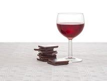 Czerwone wino i zmrok czekolada - zdrowy serce, stylu życia pojęcie Fotografia Stock