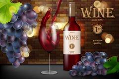 Czerwone wino reklama, szklana butelka z winogronem na ceglanym tle, retro stylowy projekt Przejrzysty wina szkło z pluśnięciem d zdjęcie royalty free