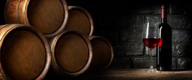 Czerwone wino w lochu Zdjęcia Stock