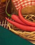 czerwonego chili pieprz - organicznie warzywa i zdrowy łasowanie projektowali pojęcie fotografia royalty free