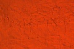 Czerwonego grunge farby upaćkana krakingowa tekstura - śliczny abstrakcjonistyczny fotografii tło obraz stock