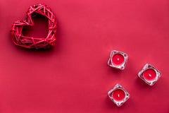 Czerwonego koloru set z świeczkami up i kierowym odgórnego widoku egzaminem próbnym Fotografia Royalty Free