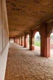 Czerwonego piaskowa łuki wewnętrzny podwórze Agra rewolucjonistki fort Zdjęcie Stock