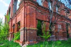 Czerwonej cegły ruina kasztel Zdjęcie Stock