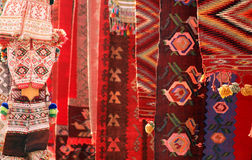 Czerwoni chodniki i odzież Fotografia Stock
