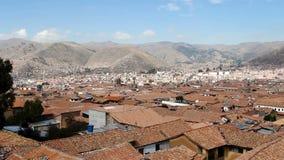 Czerwoni Dachówkowego dachu wierzchołki Cusco Peru I wzgórza zbiory