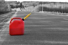 Czerwoni klingerytu gazu kanistery zdjęcie royalty free