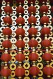 Czerwoni lampiony dekoruje Chińskiego nowego roku Zdjęcia Royalty Free