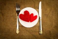 Czerwoni serca na talerzu Zdjęcie Stock
