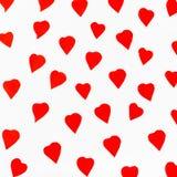 Czerwoni serca rzeźbiący od papieru na bielu Obraz Royalty Free
