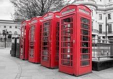 Czerwoni Telefoniczni pudełka Zdjęcia Royalty Free