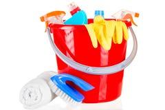 Czerwoni wiadra chemicznego cleaning agenci odizolowywający Fotografia Royalty Free
