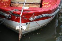 Czerwony łódkowaty zbliżenie Zdjęcie Stock