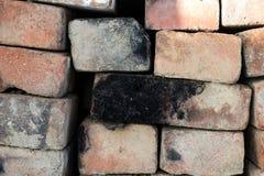 Czerwony ściana z cegieł Starzejący się ściana z cegieł Ceglany stary tło materiał textured Architektoniczny brickwork Fotografia Stock