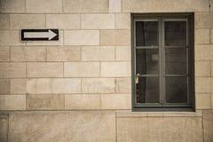 Czerwony ściana z cegieł z okno Obrazy Royalty Free