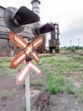 Czerwony światła ruchu semafor na kolei jest czerwony światła ruchu na kolejowym skrzyżowaniu stulecie Zdjęcie Royalty Free