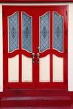 Czerwony antyczny drzwi Zdjęcia Stock