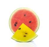 Czerwony arbuz, Żółci arbuza cięcia kawałki na białym tle Zdjęcie Stock
