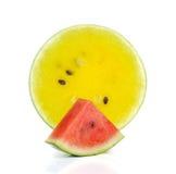 Czerwony arbuz, Żółci arbuza cięcia kawałki na białym tle Obraz Stock