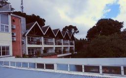 Czerwony błękitny Żółty hotel przy Gramado fotografia royalty free