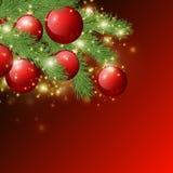 Czerwony błyszczący tło z Bożenarodzeniowymi dekoracjami, dekoracyjnymi świerczyn gałąź, złotymi gwiazdami, wakacyjnym Wesoło Mas ilustracji