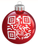 Czerwony Bożenarodzeniowy bauble z ornamentu QR kodem, Fotografia Stock