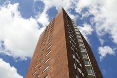 Czerwony Budynek Mieszkaniowy Zdjęcia Royalty Free
