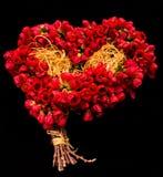 Czerwony bukiet Czerwoni dzwonkowi kwiaty na czerni odizolowywającym Zdjęcie Stock