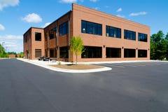 Czerwony ceglany budynek biurowy Obrazy Royalty Free