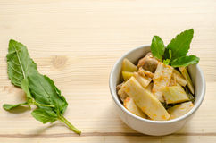 Czerwony curry z kurczakiem i Bambusowymi krótkopędami, Tajlandzki jedzenie Zdjęcia Stock