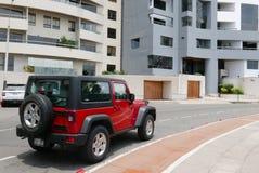 Czerwony dżipa Wrangler Rubicon parkujący w Miraflores, Lima Obraz Stock
