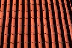 Czerwony Dachówkowy dach w Niemcy wzór - tło - Fotografia Stock