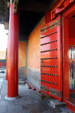 Czerwony drzwi pałac Zdjęcia Royalty Free