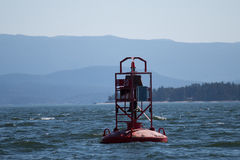 Czerwony dzwonkowy boja wewnątrz inside przejście Kanada Zdjęcia Royalty Free