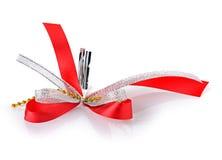 Czerwony faborku i łęku prezenta pudełko Zdjęcie Stock