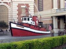 czerwony fireboat Zdjęcie Royalty Free