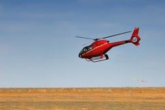 Czerwony helikopter Zdjęcia Royalty Free