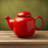 Czerwony herbaciany garnek Fotografia Royalty Free