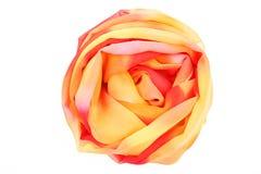 Czerwony i żółty jedwabniczy szalik kojarzący wzrastał Obrazy Stock