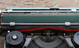 Czerwony i czarny faborek maszyna do pisania obraz stock