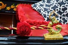 Czerwony i złoty szczegół gondola, Wenecja, Włochy Fotografia Stock